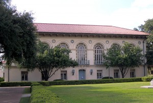 Battle Hall on the University of Texas at Austin campus by Larry D. Moore